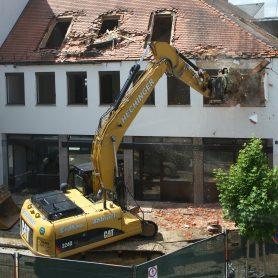 excavators-139976_1920
